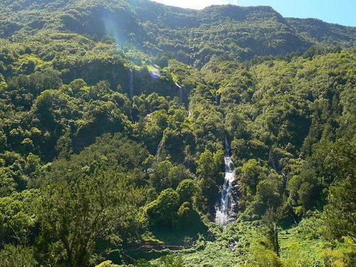 レユニオン島のサラジー圏谷の花嫁のベール滝