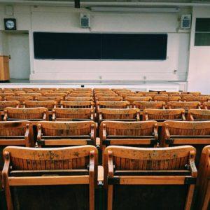 大学は祝日も授業がある理由!休みじゃないのはなぜ?