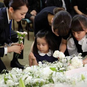 【夢占い】葬式の夢の意味は吉夢ってホント?状況別に深層心理を分析!
