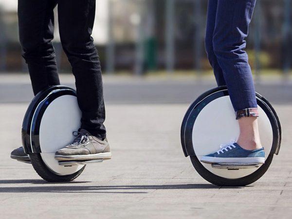 電動一輪車とは?公道を走っても良い?