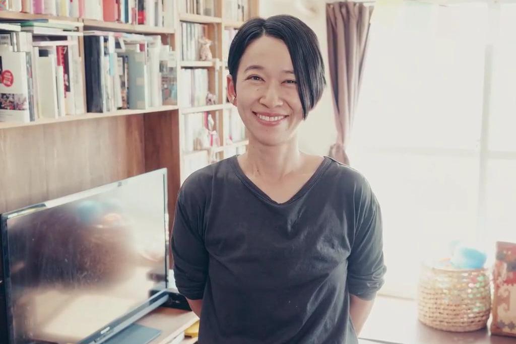 西加奈子は結婚してる?夫は誰?家族の噂やおすすめ小説