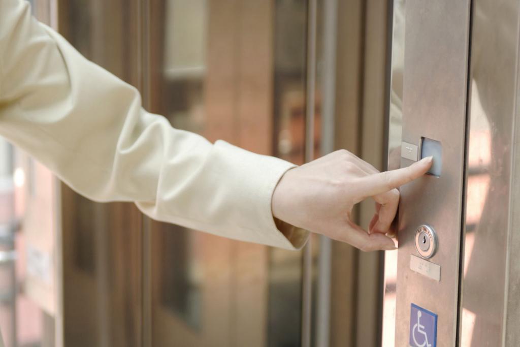 【夢占い】エレベーターの夢の意味は心境の変化!?夢占いの意味は?