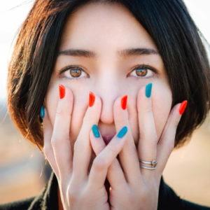 写真家・ヨシダナギのファッションが話題!プロフィールや写真集情報