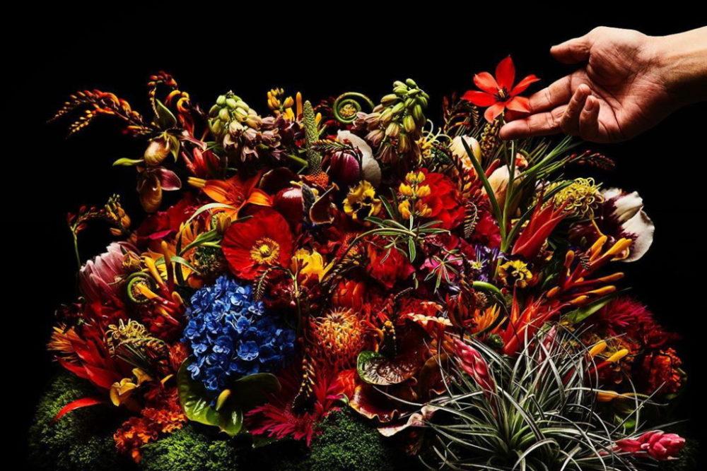 フラワーアーティスト・東信の作品の特徴や花の値段